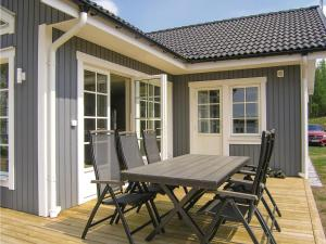 Three Bedroom Holiday Home in Bolmso
