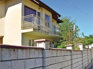 obrázek - Three-Bedroom Holiday Home in Village Dolen Bliznak