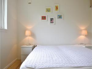 Three-Bedroom Holiday Home in Kirke Hyllinge, Ferienhäuser  Kirke-Hyllinge - big - 6