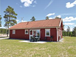 Three Bedroom Holiday Home in Ljungby