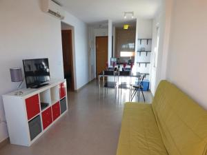 Two-Bedroom Apartment in Roldan, Ferienwohnungen  Roldán - big - 11