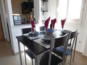 Two-Bedroom Apartment in Roldan, Ferienwohnungen  Roldán - big - 8