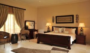 Legodimo Game Lodge, Lodges  Moloto - big - 4