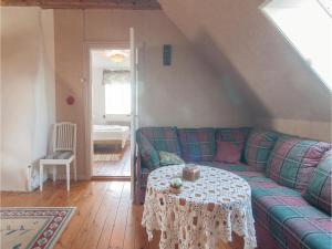 Four-Bedroom Apartment in Hemse, Ferienwohnungen  Hemse - big - 2