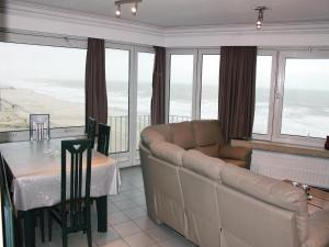 Three-Bedroom Apartment Oostende with Sea View 01(Ostende)