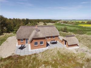 Three Bedroom Holiday Home in Ulfborg