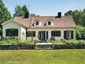 Five Bedroom Holiday Home in Romakloster