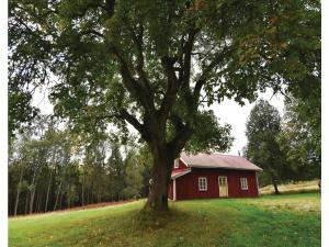 Three Bedroom Holiday Home in Svennljunga