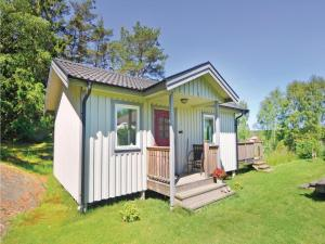 One Bedroom Holiday home in Ellös
