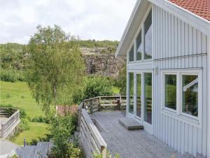 Two Bedroom Holiday Home in Fjaallbacka
