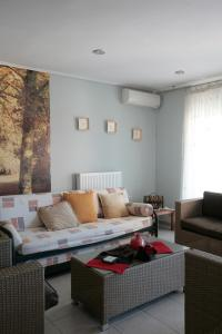 Seaside Maisonette in Afroditi Apartments, Ville  Melission - big - 18