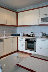 Seaside Maisonette in Afroditi Apartments, Villen  Melission - big - 16