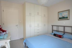 Seaside Maisonette in Afroditi Apartments, Ville  Melission - big - 13