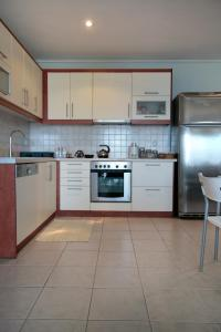 Seaside Maisonette in Afroditi Apartments, Villen  Melission - big - 7