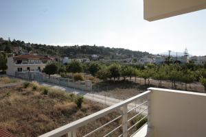 Seaside Maisonette in Afroditi Apartments, Villen  Melission - big - 3