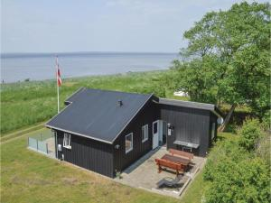 Three Bedroom Holiday Home in Skals