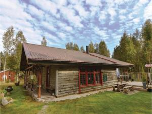 Four Bedroom Holiday Home in Mellerud