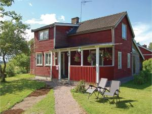 Three Bedroom Holiday Home in Soderkoping