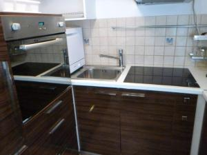 Apartments Rose, Апартаменты  Будва - big - 8