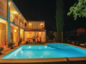 Swimming pool Apartment Izola with Sea View 05
