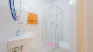 Guest house Aquarel, Affittacamere  Goryachiy Klyuch - big - 36