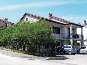 Three Bedroom Apartment with Sea View in Izola