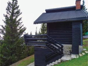 Three Bedroom Apartment in Smartno pri Sl.Gradcu