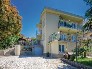 Apartment Malinska with Sea View I, Apartmány  Malinska - big - 1