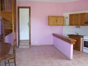 Three-Bedroom Holiday Home in Lucq de Bearn, Nyaralók  Lucq-de-Béarn - big - 16