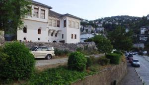 Babameto House