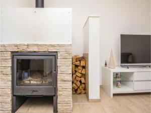 Two-Bedroom Apartment in Sv.Filip i Jakov, Ferienwohnungen  Sveti Filip i Jakov - big - 5