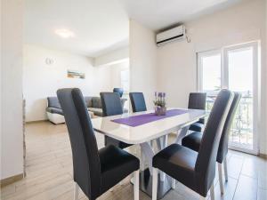 Two-Bedroom Apartment in Sv.Filip i Jakov, Ferienwohnungen  Sveti Filip i Jakov - big - 7