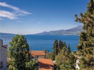 Two-Bedroom Apartment with Sea View in Rijeka, Ferienwohnungen  Turan - big - 30