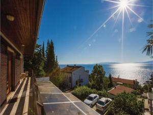 Two-Bedroom Apartment with Sea View in Rijeka, Ferienwohnungen  Turan - big - 38