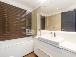 Two-Bedroom Apartment in Rijeka, Appartamenti  Turan - big - 3