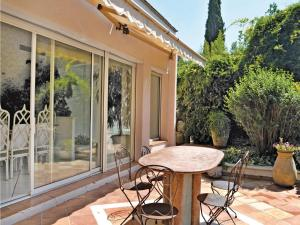 Holiday Home Biot Chemin Des Soullieres - Hotel - Biot