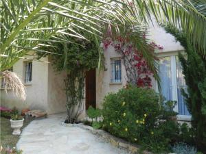 Four-Bedroom Holiday home Sainte Maxime with a Fireplace 08, Dovolenkové domy  Sainte-Maxime - big - 10