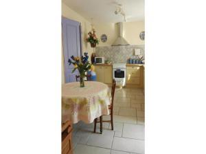 Four-Bedroom Holiday home Sainte Maxime with a Fireplace 08, Dovolenkové domy  Sainte-Maxime - big - 13