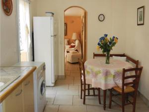 Four-Bedroom Holiday home Sainte Maxime with a Fireplace 08, Dovolenkové domy  Sainte-Maxime - big - 12