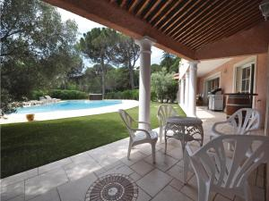 Holiday home Bd. Florentin Brigaud, Holiday homes  Sainte-Maxime - big - 32