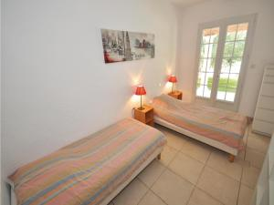 Holiday home Bd. Florentin Brigaud, Holiday homes  Sainte-Maxime - big - 4