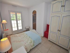 Holiday home Bd. Florentin Brigaud, Holiday homes  Sainte-Maxime - big - 2