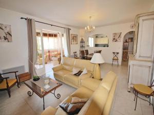 Holiday home Av. du Gén. Darmee Cal. - Hotel - Les Issambres