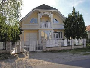 obrázek - Two-Bedroom Apartment in Balatonkeresztur
