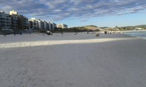 apartamento na praca das aguas em cabo frio, Apartmanok  Cabo Frio - big - 24