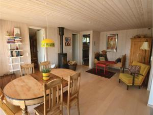 Three-Bedroom Holiday Home in Ebeltoft, Ferienhäuser  Ebeltoft - big - 12