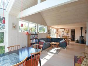 Three-Bedroom Holiday Home in Ebeltoft, Ferienhäuser  Ebeltoft - big - 13