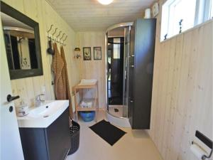 Three-Bedroom Holiday Home in Ebeltoft, Ferienhäuser  Ebeltoft - big - 10
