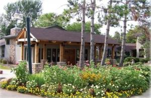 Nearby hotel : Riverwood Inn & Conference Center