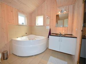 Holiday home Capellavej IV, Holiday homes  Ørby - big - 15